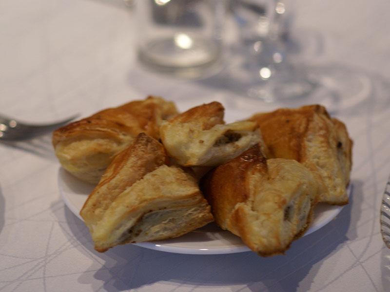 Buljona pīrādziņi